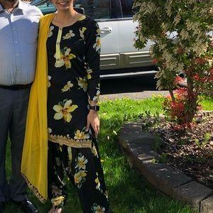 Dresses & Skirts - Black & Yellow Flower Suit